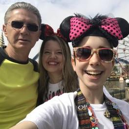 Dorin, Brenda & Bella at Disneyland 2017