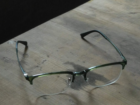 Ways of Seeing......a story of a man with(out) eyeglasses.