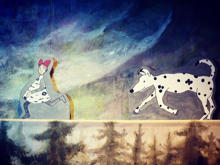 Flickan och hunden.jpg