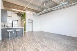 D Line/04 Studio Living Area