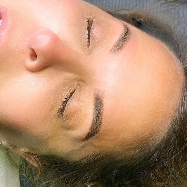 Ombré coverup over old microblading done