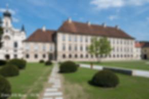 Akademiezentrum_außen1.jpg