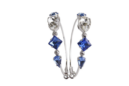 Loop earrings of the Dew Drop Collection in LtSap_Sapphire_Crystal in white gold