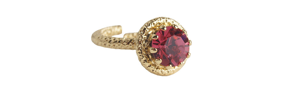 Single crystal ring of the Circle Delight Collection in IndianPink