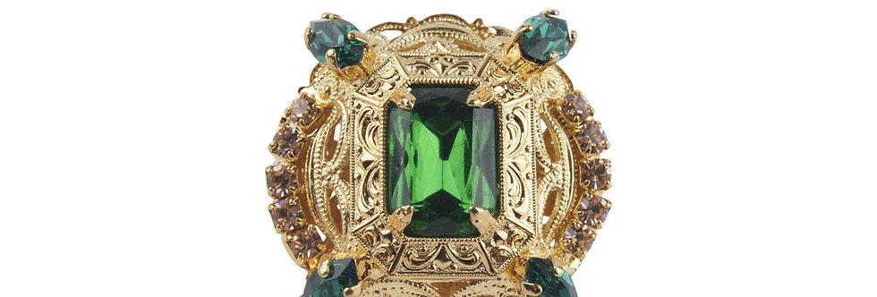 Oval Ovation Octagonal Ring in Emerald green