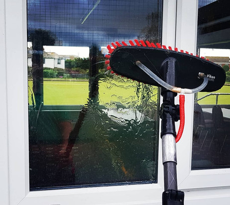 commercial-window-cleaning-bowls-club.jp