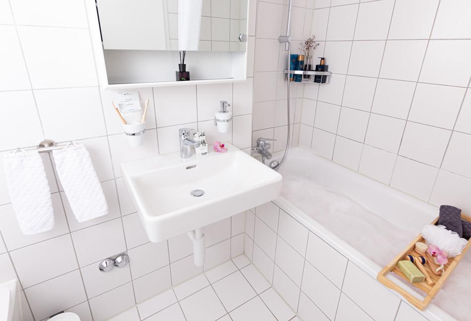 Bathroom (18)_edited.jpg
