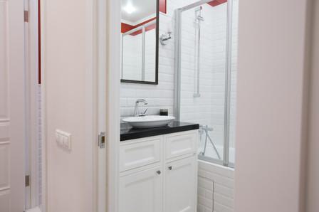 metro tile in the bathroom design by Albina Alieva