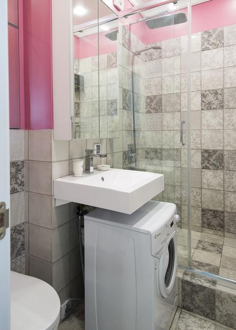 small bathroom design by Albina Alieva