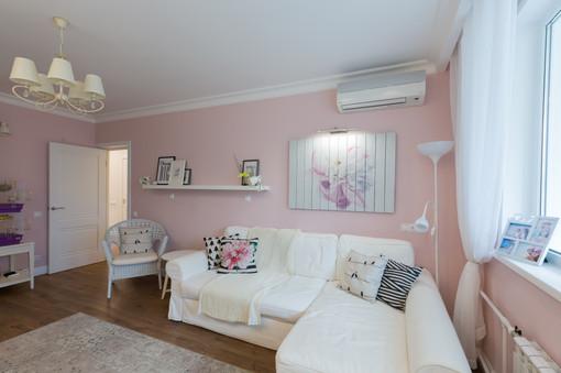 Pink family room design by Albina Alieva