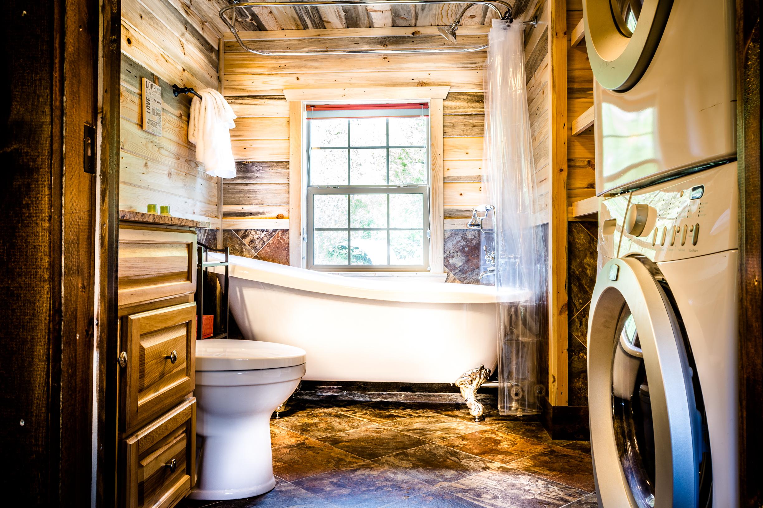 Fisher Cabin Bathroom