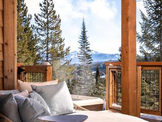 Mountain Views Beyond the Hot Tub!