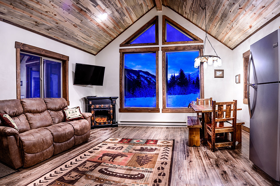 cabin mt inside in lodge rentals wyoming rent near for sale yellowstone map montana cabins park west canyon vacation