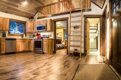 Elegant, Spacious Cabin