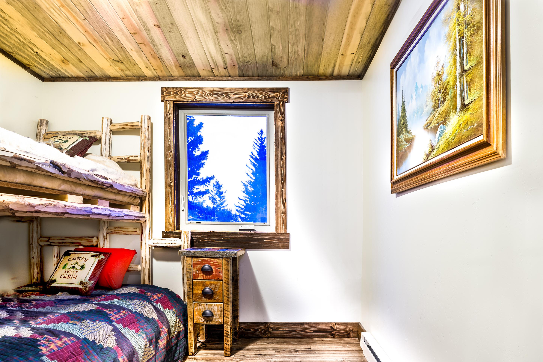 Montana Cabin Guest Room