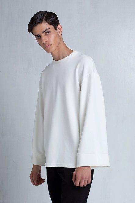 Oversized Sweatshirt with An Extreme Wide Sleeve