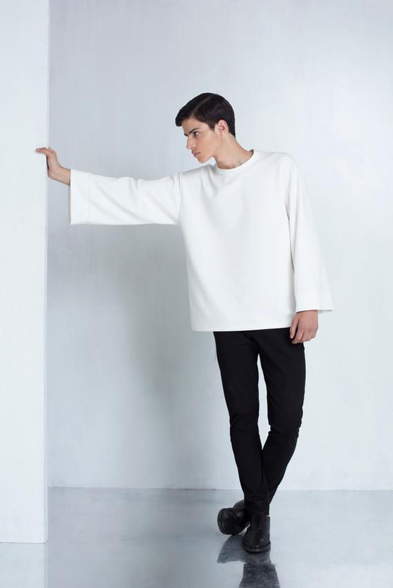 Ariel_Bassan_Minimal_Menswear_AW_LookBook_Wide_Sleeves_Sweatshirt