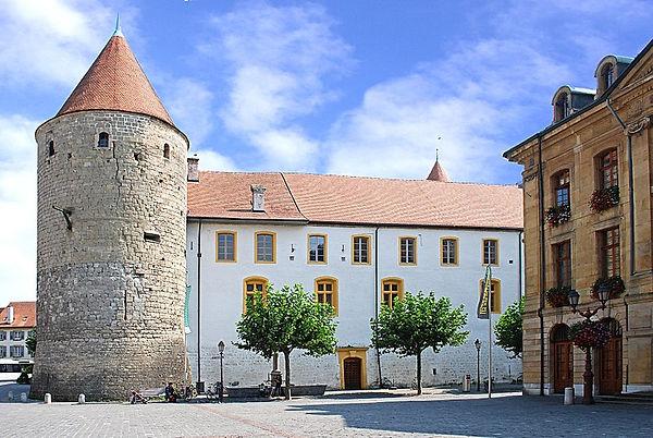 800px-Place_Pestalozzi_Yverdon-les-Bains