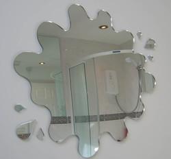 Creative-Bathroom-Mirror-Shape-Design
