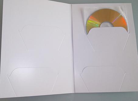 CDやDVDを入れるパッケージ、デジパック
