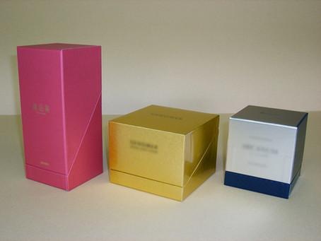 化粧品と貼り箱