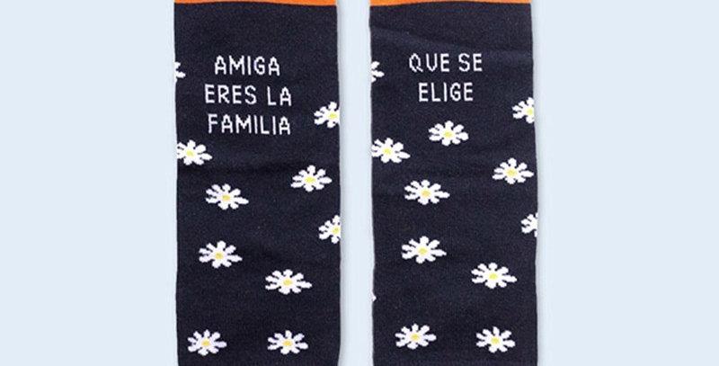 "Calcetines ""Amiga eres la familia que se elige"""