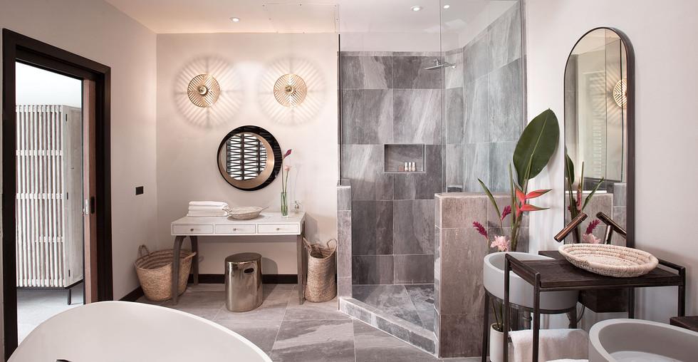 bathroomwide.jpg