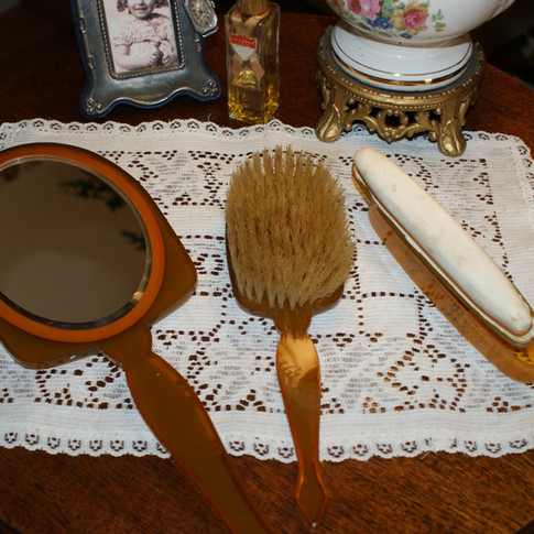 Mirror, Brush, Nail Buffer