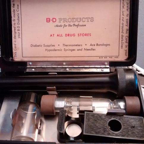 1930s Diabetic Needle Kit