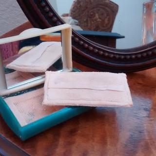 Bakelite Powder Compact