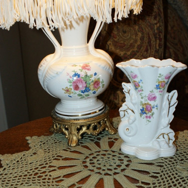 Found! A matching vase and a swell doiley