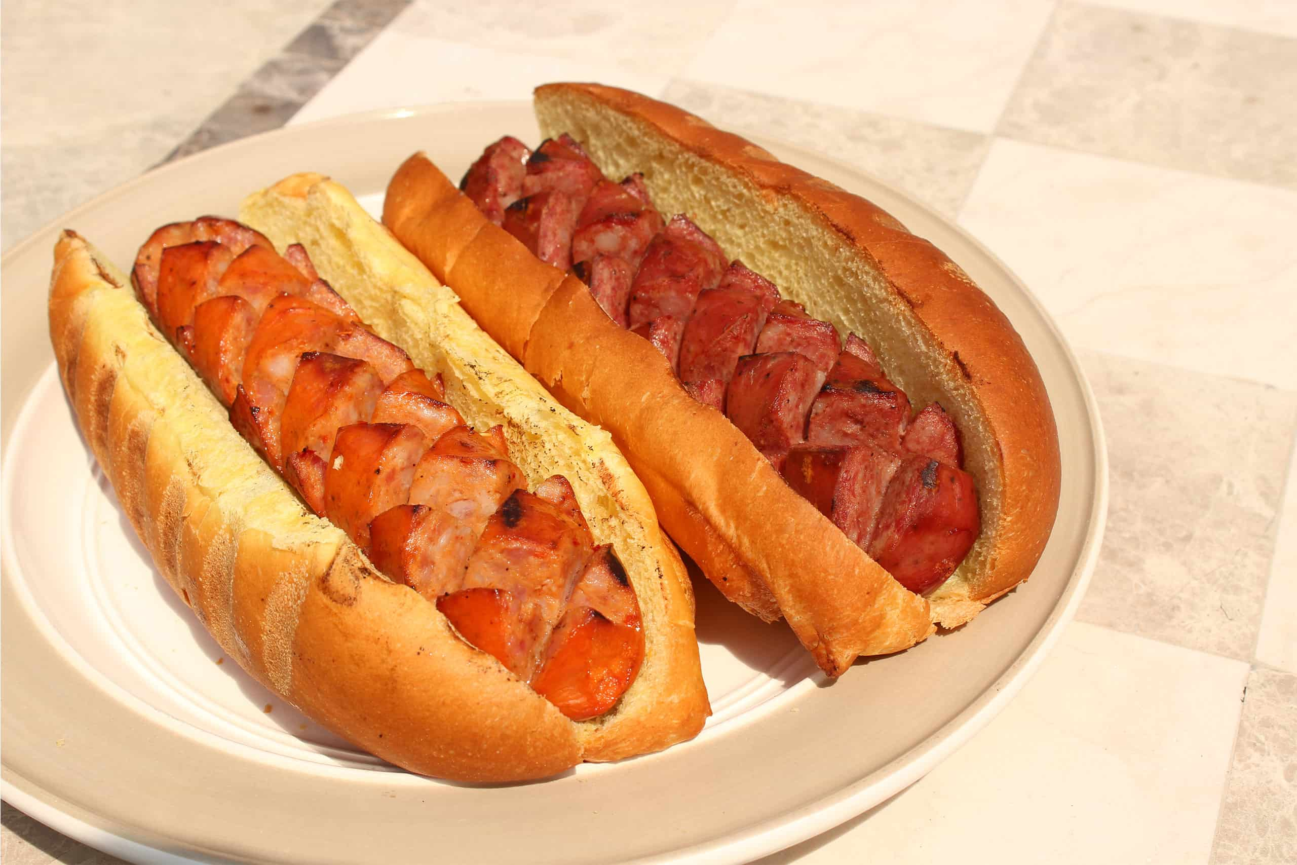 Banner-Grilled-Sausage-on-Bun2