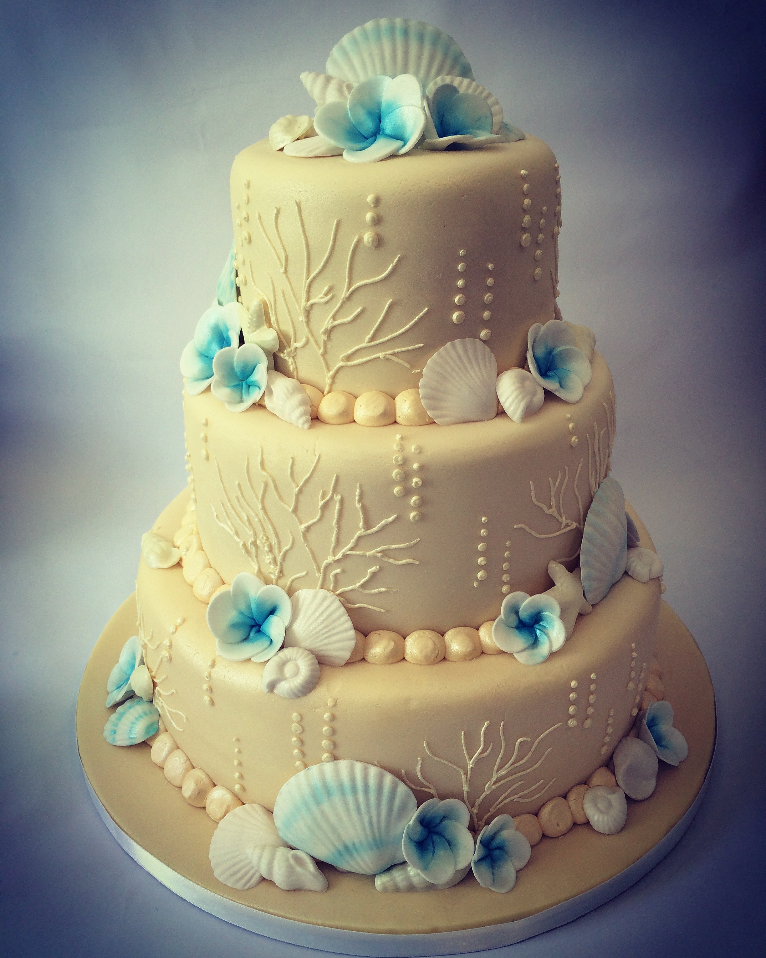 Miss Nattie S Cupcakes And Cakes Bournemouth Poole Dorset Wedding Cake