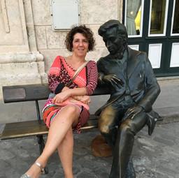 Caroline Leonardelli with Chopin in Havana
