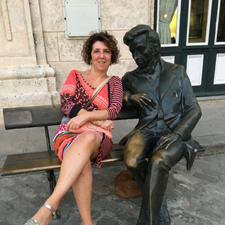 Caroline Leonardelli with Chopin in Havana