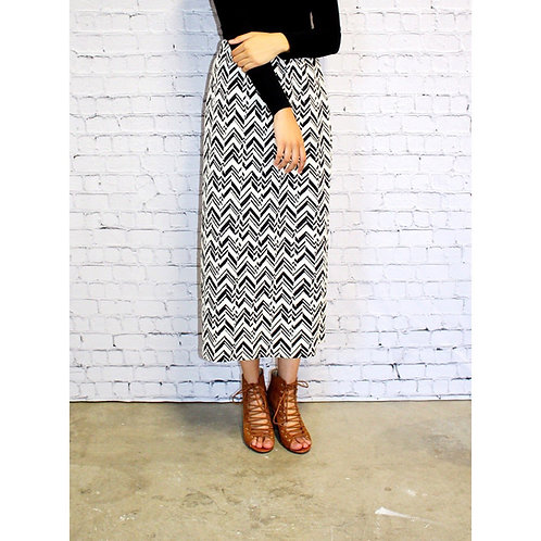 Midi Skirt Blk n White Chevron