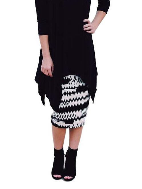 Swim/Sport Skirt Off White/Black Chevron Print