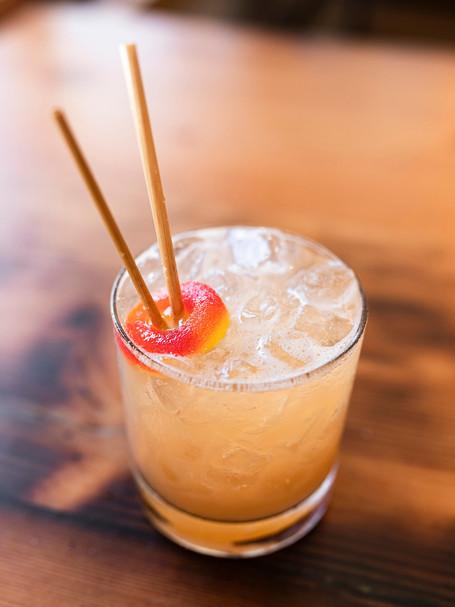 Peach Whiskey Cocktail Kit_001.jpg