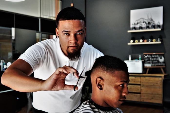 Zaan the Barber