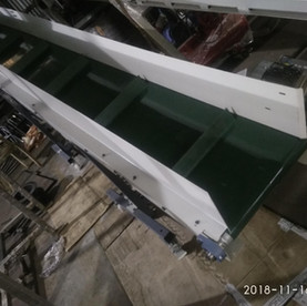Inclined Flat Belt Conveyor.jpg