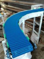 Modular curve conveyor