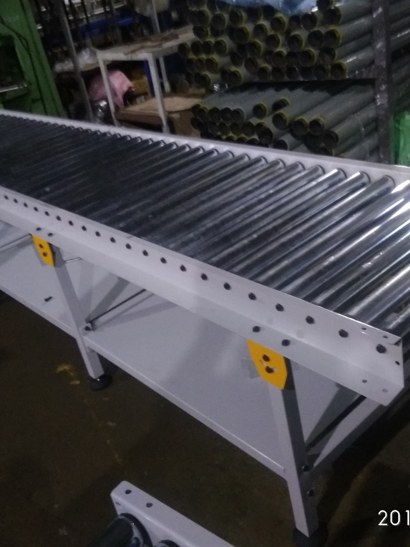 Gravity Roller Conveyor .jpg