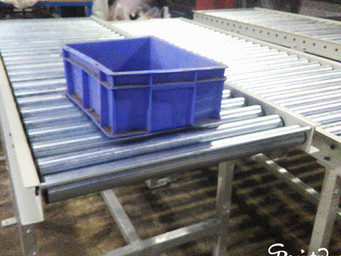 Gravity Roller Conveyor for Crates