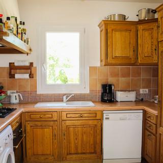 Provençal style kitchen in your Provence escape, La Jassine