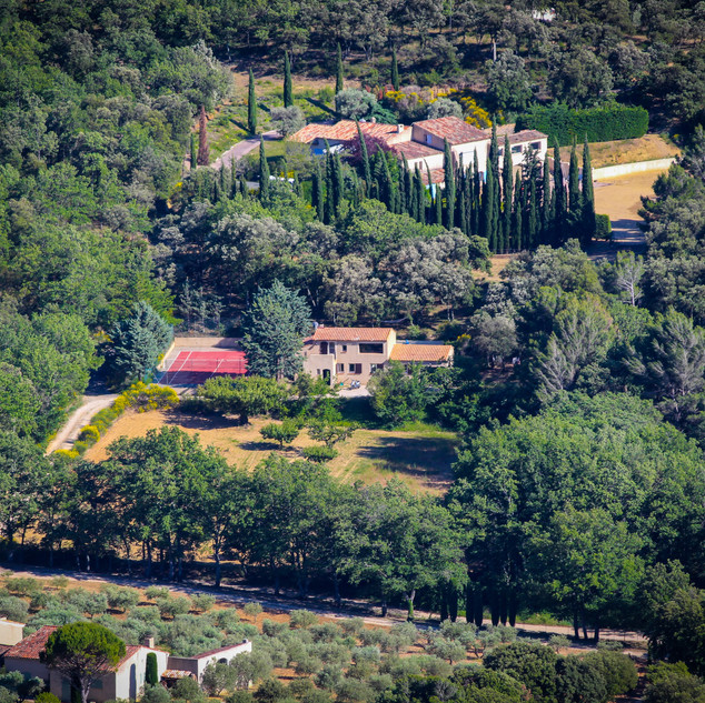 Close-up of villa La Jassine from the Luberon.