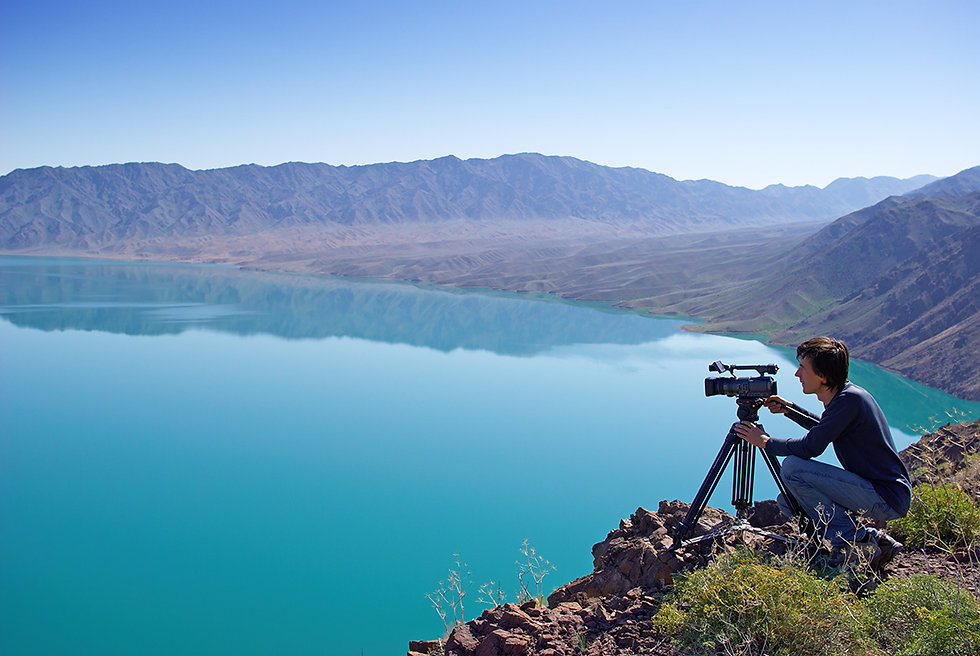 Photographer in front of Lake 2.jpg