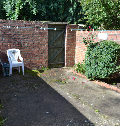 12 Flower Street - Courtyard Garden