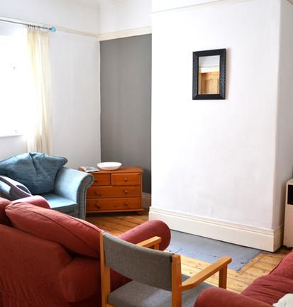 12 Flower Street - Living room