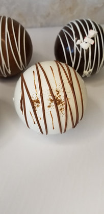 Gingerbread Spiced Hot Cocoa Bomb
