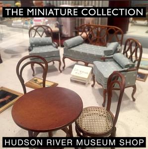 Hudson River Museum Shop D. Thomas Miniatures